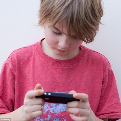 Spy iPhone Text Messages Of Your Kids In A Simple And Proper Manner